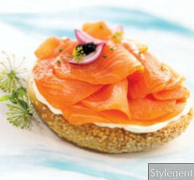 Bagel salmon asap