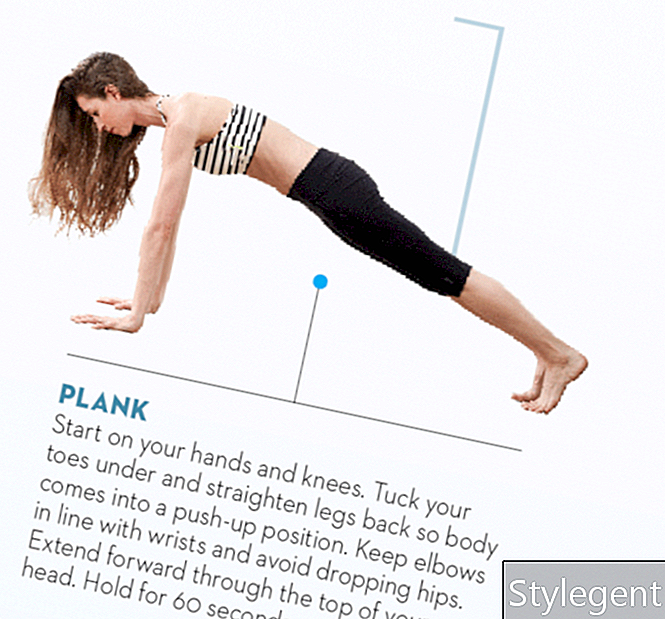 Tara-Stiles-Yoga-Workout-für-Kraft-Planke-Pose